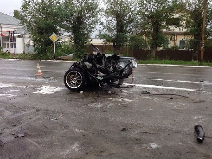 ВСысерти— ужасная авария: иномарку разорвало начасти, один человек умер