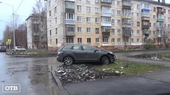 В Свердловской области произошли сотни ДТП из-за ледяного дождя
