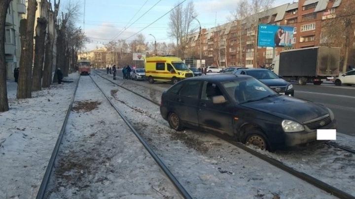В Екатеринбурге водителю, насмерть сбившему мужчину с ребенком, грозит до 7 лет тюрьмы