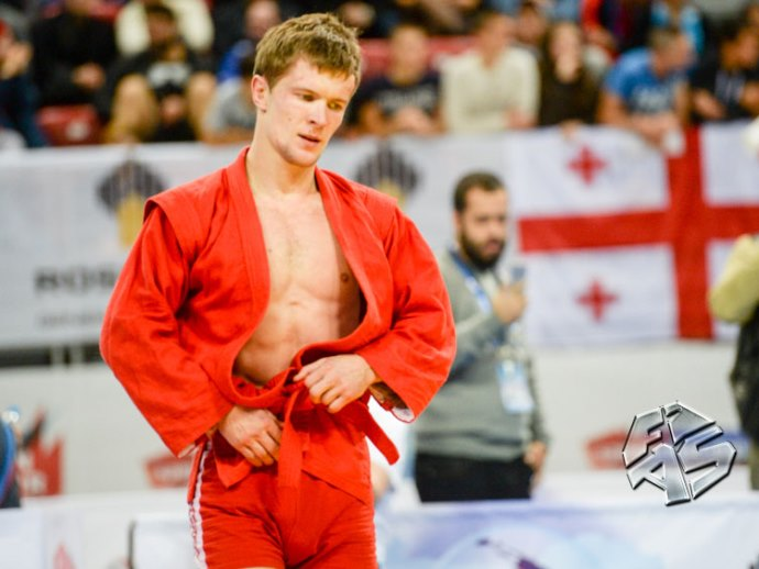 Самбист Илья Хлыбов стал пятикратным чемпионом мира