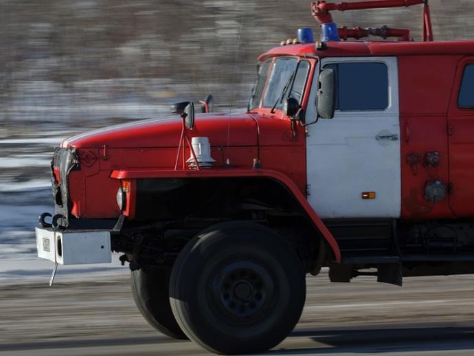20 человек эвакуировали ночью из-за пожара впятиэтажке Первоуральска