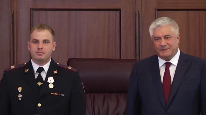 Полицейских из Камышлова и Тавды наградили за мужество при спасении людей