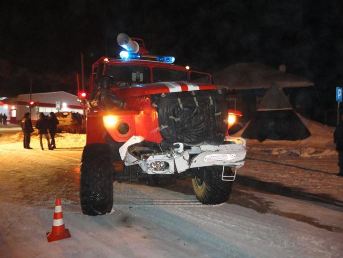 НаУрале иномарка врезалась вспешившую навызов пожарную машину
