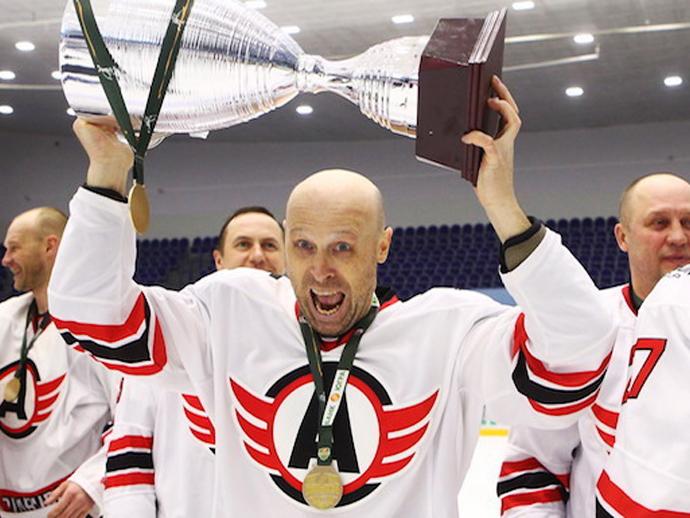 Хоккеисты екатеринбургского «Авто» взяли кубок Ночной хоккейной лиги