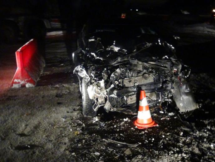 НаЕКАД автобус влетел в легковую машину: пострадали два человека