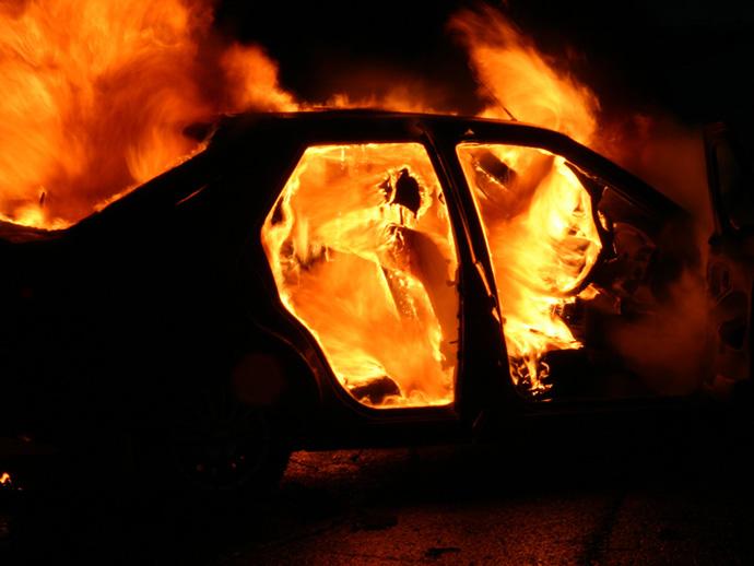 Ночью вЕкатеринбурге сгорел катафалк
