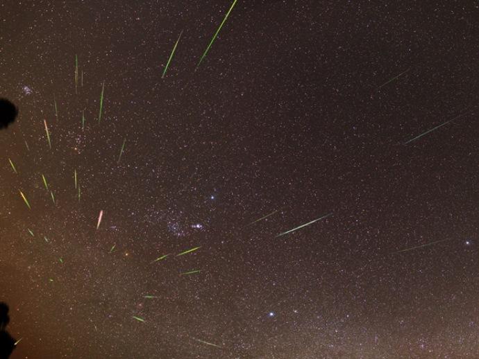 Граждане Екатеринбурга смогут наблюдать звездный дождь три ночи подряд