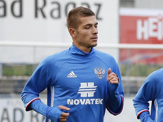 Роман Нойштедтер: еще два-четыре футболиста из Германии могли бы усилить сборную России