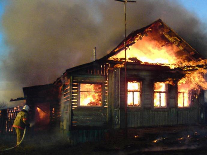 ВСвердловской области впожаре погибли 4 человека