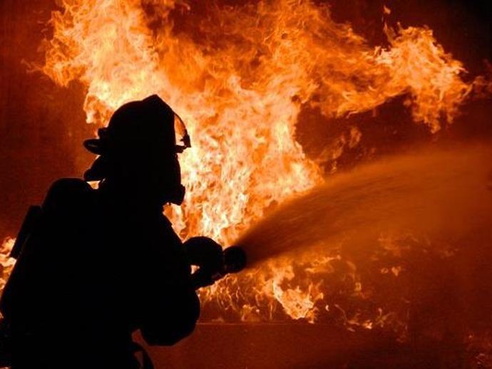 ВЕкатеринбурге ночью из-за пожара эвакуировали жильцов многоэтажки